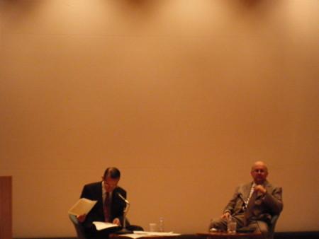 イスマイル・セラゲルディン氏(右)とジャンヌネー氏