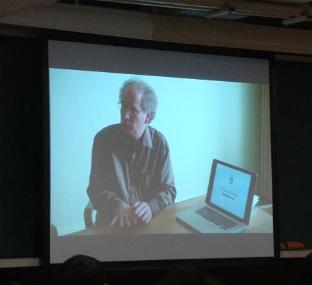 インターネット・アーカイブのブルースター・ケールがビデオで登場。