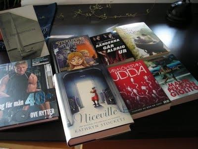 出版社からブックバス利用者に提供された本の例。