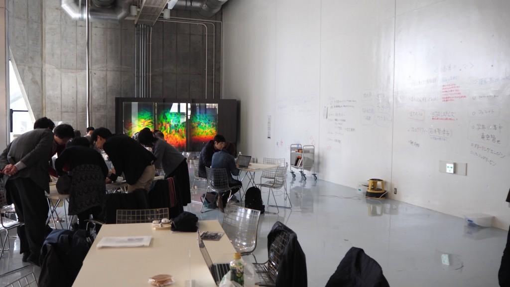 東京工業大学博物館で行われたワークショップ風景。